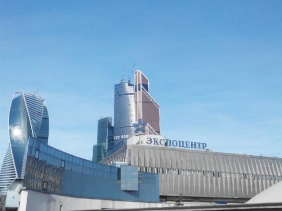 Компания «GreenWood» представит современные отделочные материалы на выставке «WorldBuild» в Москве