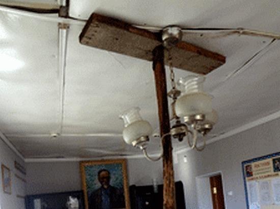 В хабаровском союзе садоводов рухнул потолок