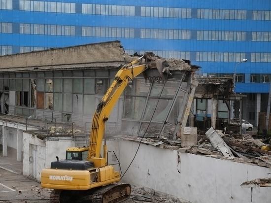 В Хабаровске сносят старый авиатерминал
