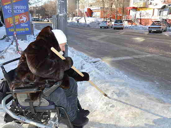 Хабаровская молодежь вышла на расчистку снега вместо коммунальщиков