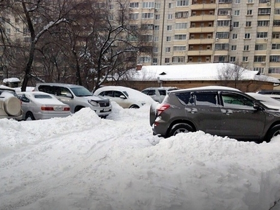 В Хабаровске нескольких должностных лиц наказали за нечищеные дороги